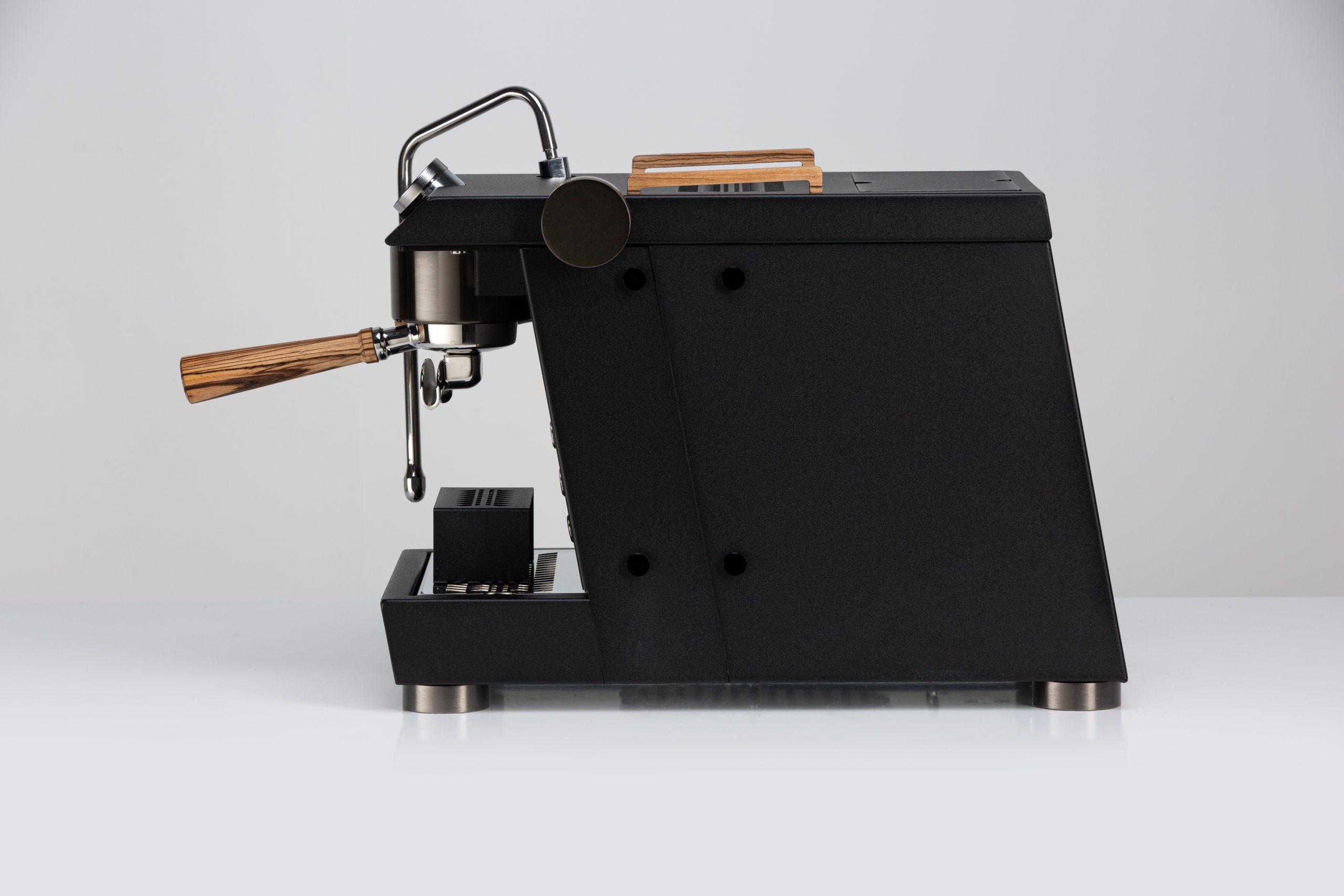 Nurri GTO espresso machine black side